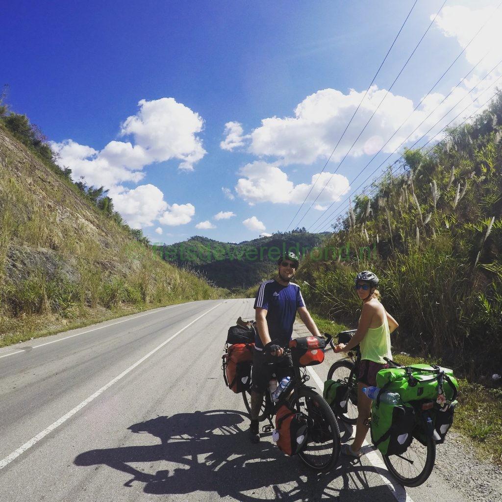 fietsen door Laos